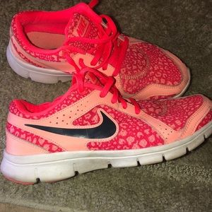 Pink Nike Flex Experience, size 7